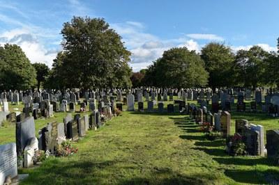 Proposition d'une prière pour les familles qui accompagnent au cimetière un défunt.