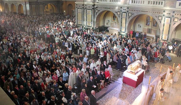 basilique lisieux Ste Thérèse 2014 990px