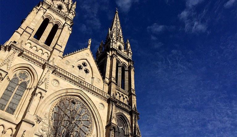 eglise Saint Louis Bordeaux 990x573