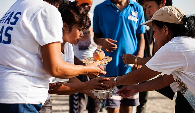 Accueil en Grèce par la Caritas - © Natalias Tsoukala - Caritas Internationalis
