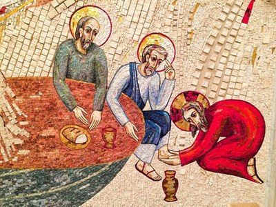 Retrouvez la proposition faite pour ce Jeudi saint, 9 avril 2020, par la Pastorale liturgique et sacramentelle du diocèse de Bordeaux. À vivre seul.e, en famille, en communion avec toute l'Église.